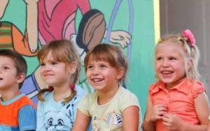 CARE for Kids trainiert Erzieherinnen und Erzieher.